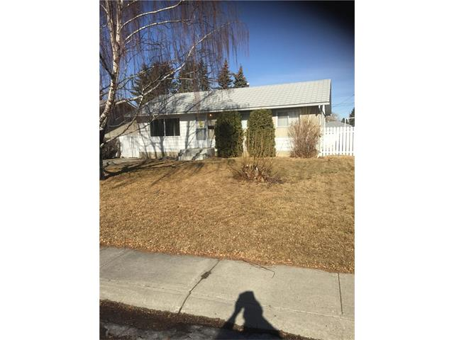 GOOD SIZE BUNGALOW IN QUIET LOCATION NEEDS SOME TLC, 3 BEDROOMS UP WITH DEVELOPED BASEMENT. YARD IS LARGE AND HOME HAS A GARAGE. EASY TO SHOW